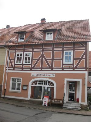 Bild 2 Eingang zum Dorfladen