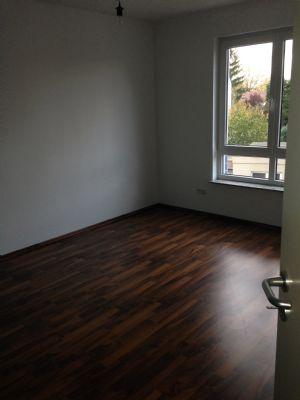lichtdurchflutete 2 zimmer wohnung mit balkon kamin. Black Bedroom Furniture Sets. Home Design Ideas
