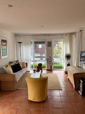 Repräsentative MÖBLIERT 3-Zimmer-Wohnung mit Loggia in Frankfurt-Bergen-Enkheim -Ortsteil Bergen- mit südländischer Atmosphäre
