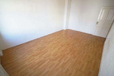 ruhige 2 zimmer wohnung 50 meter von der insel eiswerder sofort zu beziehen etagenwohnung. Black Bedroom Furniture Sets. Home Design Ideas