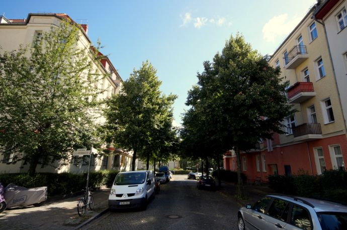 etw 1 5 zimmer mit balkon in johannisthal berlin 3964b01c. Black Bedroom Furniture Sets. Home Design Ideas
