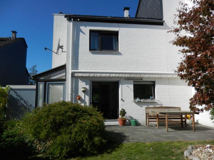 Modernes Reihenendhaus mit Garage in ruhiger Lage von Hattingen-Niederwenigern