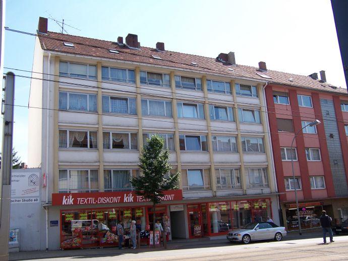 Große, sanierte Wohnung in Innenstadtnähe zu vermieten