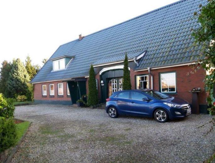 Teilmodernisiertes Bauernhaus mit 2 Wohneinheiten und weiterem Potential in schöne Lage