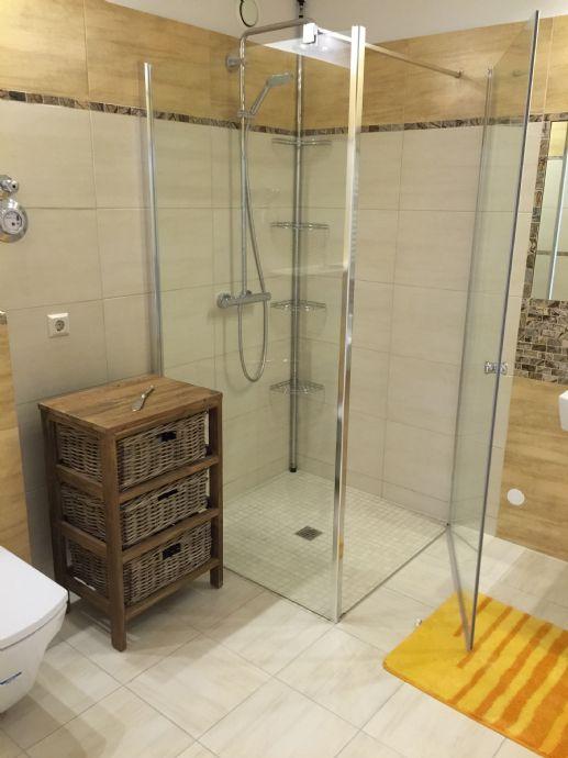 Charmante 3 Raum Wohnung mit toller Außenanlage , seniorengerecht mit Aufzug