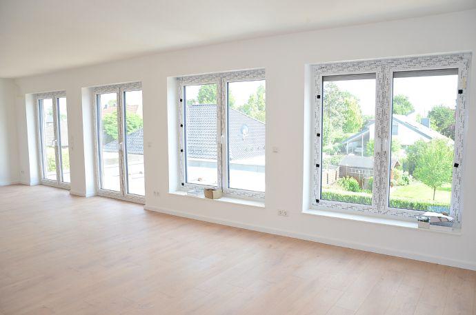 Extravagante Neubau- Dachgeschosswohnung mit sonniger Dachterrasse, großzügiger Raumaufteilung und