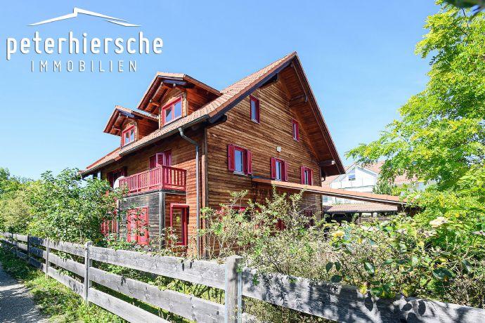 Natur pur: Einfamilien-Holzhaus in bevorzugter Lage