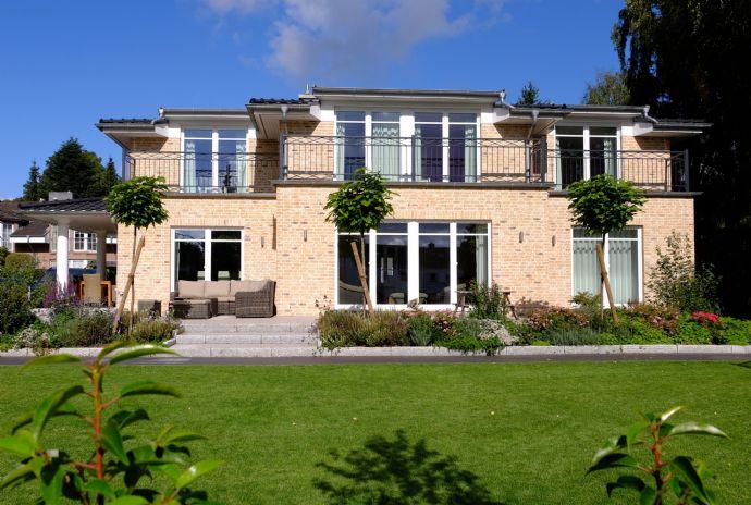 Grosse S&T Villa in HH-Volksdorf !