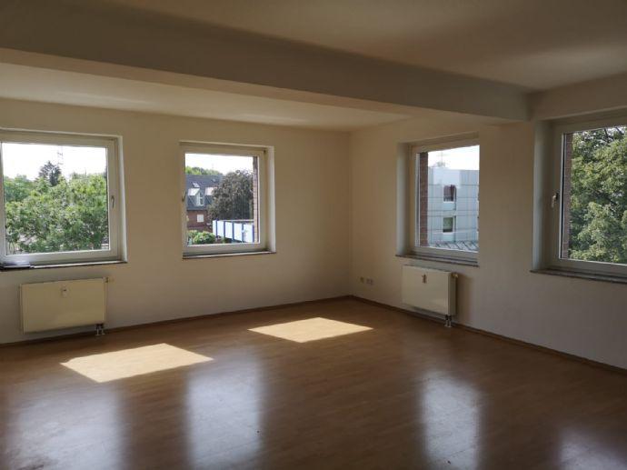 2-Zimmer-Wohnung mit 73 m² Wfl. im 2. OG