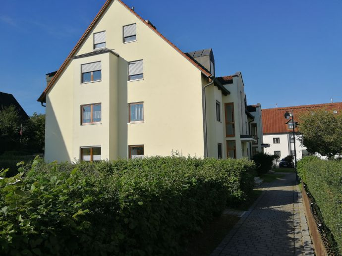 Gepflegte 2 ZKB-Wohnung mit Balkon