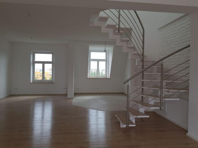 Alte Messe/Westend  3-Zimmer Maisonettewohnung in denkmalgesch. Altbau mit grosser Loggia - Erstbezug
