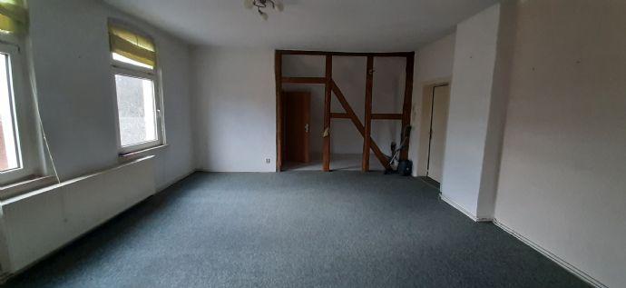 Neupetershain Neupetershain 1,5-Raum-Wohnung im 2. OG
