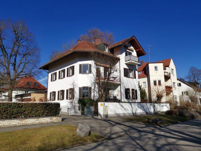Ruhige 3,5 Zimmer Maisonettwohnung mit 3 Balkonen an der Würm gelegen