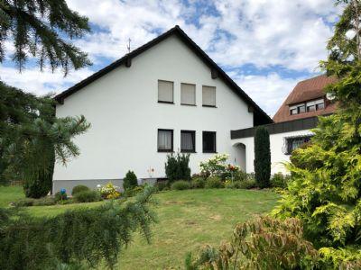 Großzügiges Wohnen mit gepflegtem Garten im Süden von Cadolzburg