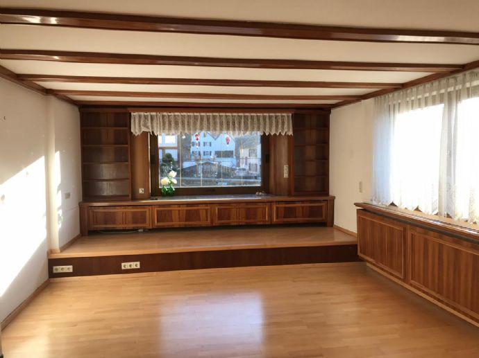 3-Zimmer-OG-Wohnung mit Balkon und PKW-Stellplatz