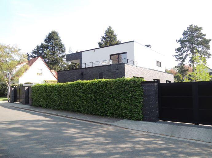 Beeindruckende, einzugsbereite Bauhaus-Villa - beste, ruhige Lage Moers-Kapellen - provisionsfrei