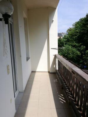 3 Raumwohnung mit Balkon nahe dem Bahnhof in der Südstadt
