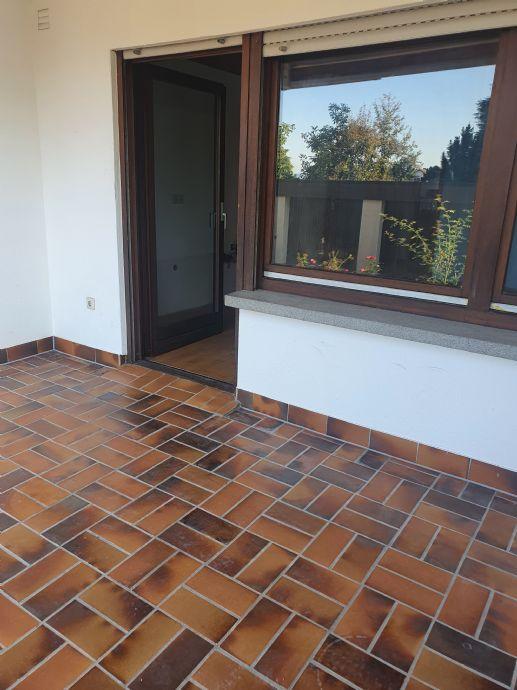 Großzügige 2-Zimmer-Gartengeschoss-Wohnung mit Terrasse in