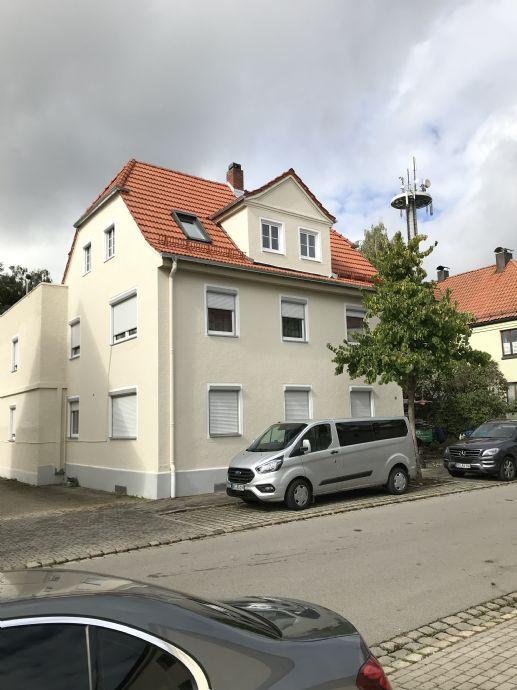 3 Familienhaus mit Gewerbehalle