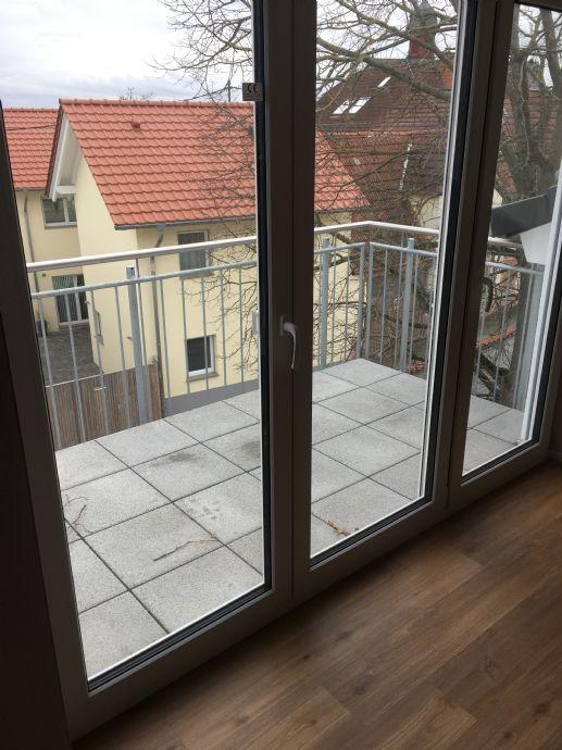 3-Zimmer-Wohnung zu vermieten die gleiche Wohnung habe ich auch nochmals in der 1 Etage ohne Dachschräge