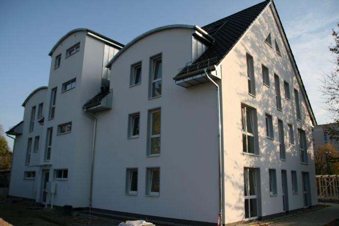 Erstbezug! 2-Zimmer-Maisonette-Wohnung mit Wannenbad, Dusche und Balkon ab sofort zu vermieten