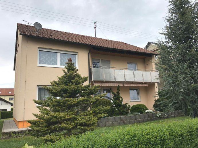 Gepflegtes 2-Familienhaus mit Doppelgarage, Terrasse, Balkon in ruhiger Lage in Herlikofen