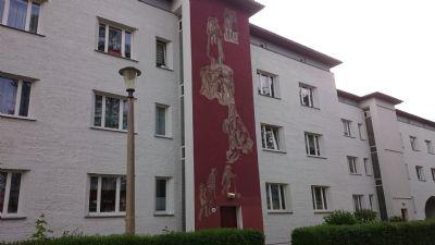 DD-Reick:  sonnige voll möblierte 2-Raum-Wohnung mit Balkon im Grünen