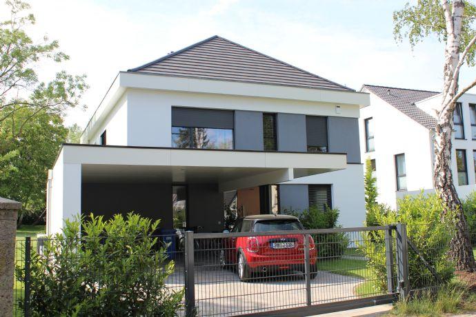 Rarität-Architektur mit Ausstrahlung - Kleine Design Bauhausvilla in Köpenick