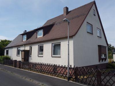 Ruhig gelegenes 1 bis 2 Familienhaus mit großem Grundstück in Kassel-Forstfeld