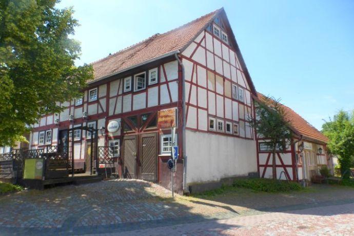 Ahnatal - Wohn- und Geschäftshaus mit Außenterrasse