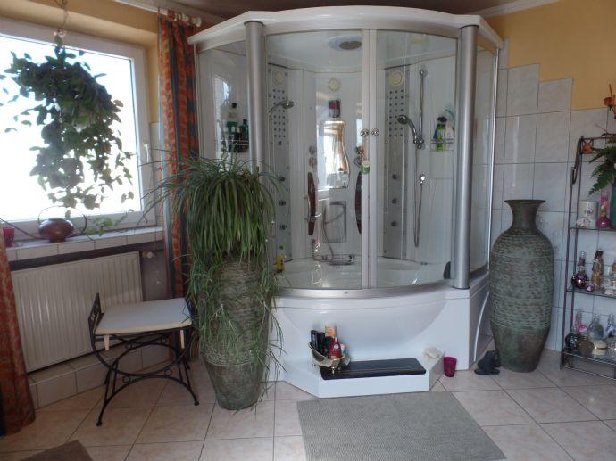 Wohnhaus der vielen Möglichkeiten in Bechhofen...Großfamilie ,oder wohnen und arbeiten ,oder Teilvermietung, oder...