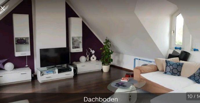 Gepflegte 3-Zimmer-Maisonette-Wohnung mit Balkon und EBK, geeignet für Singles und Paare