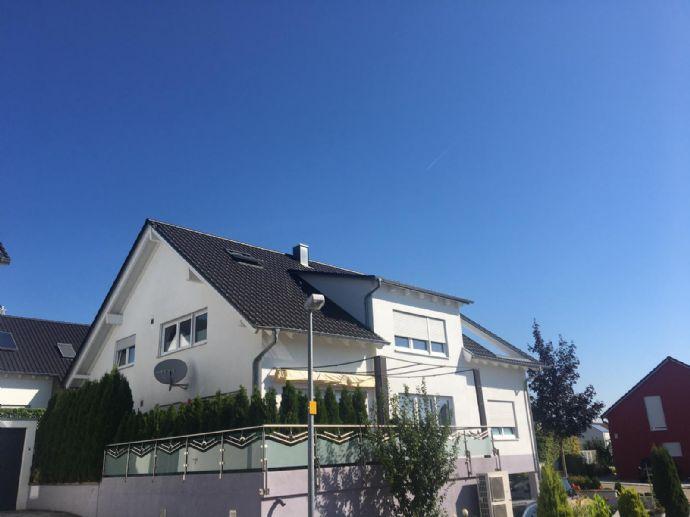 Wunderschöne 4,5 Zim Maisonette Wohnung mit großer Loggia