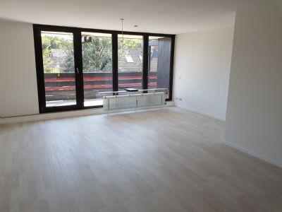 Schick Renovierte 4 Zimmerwohnung Mit Etwa 109 M2 Wohnfläche   Balkon U2013  Garage   Naturnahe Und Ruhige Wohnlage   Nahe UNI.