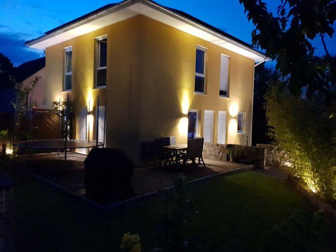 Hochwertiges und freistehendes Einfamilienhaus - ruhig gelegen / energetisch effizient