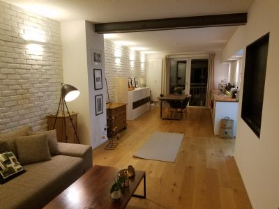 Stilvolle, geräumige 2-Zimmer-Loft-Wohnung mit Balkon und EBK in Düsseldorf Pempelfort/Golzheim