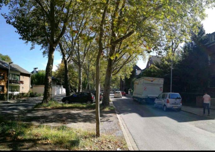 Oberhausen Zentrum: 2,5-Zimmer-Wohnung im Grünen, trotzdem verkehrsgünstig und ruhig