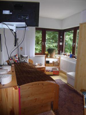 helle und sch ne 3 zimmer erdgeschoss wohnung mit balkon. Black Bedroom Furniture Sets. Home Design Ideas