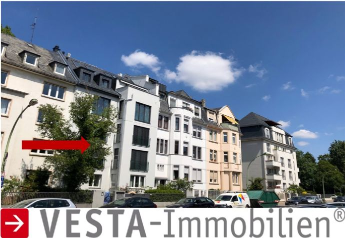 WESTEND-HOLZHAUSEN: Garten-Maisonette, Aufzug, Balkone, Parkett, EBK, 4 Schlafzimmer...