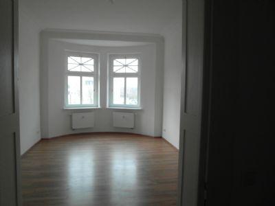 Zimmer 2 mit Erker ca. 20m²