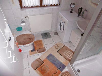 Tageslichtbad mit Dusche u. WC im OG