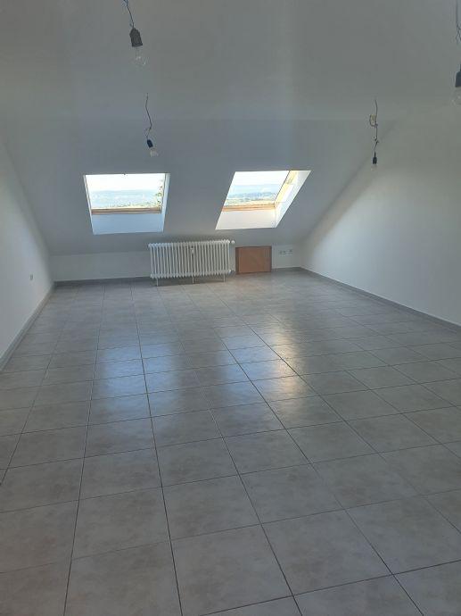 Komfortable 3-Zimmer-Dachgeschoss-Wohnung in Kieselbronn