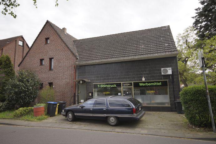 1-Familienhaus mit Ladenlokal, gute Lage in angesagter Wohngegend mit optimaler Verkehrsanbindung (Bushaltestelle nebenan)
