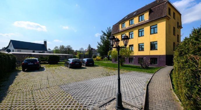 gepflegtes Mehrfamilienhaus mit großem Grundstück in Großröhrsdorf