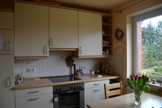 Helle und großzügige 2-Zimmer-Wohnung mit EBK in Klein Nordende