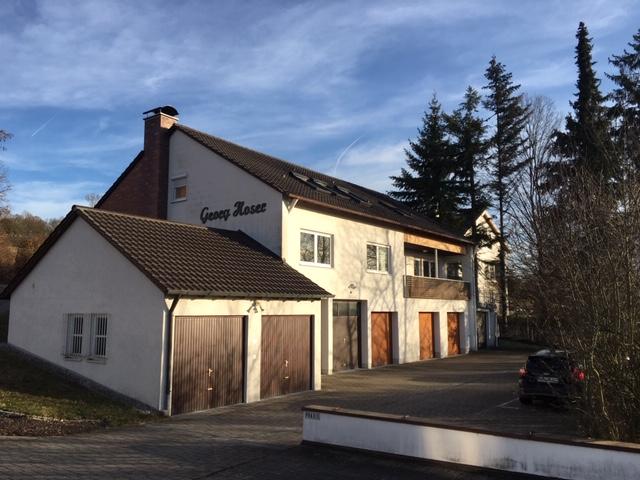 Große Wohnung auf 2 Etagen mit Terrasse, Garten, Einbauküche und Sauna