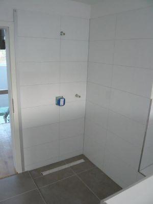 ... ebenerdiger Dusche und  ...