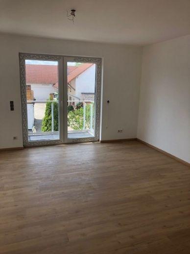 Ihr neues Zuhause - 3 Zimmer im 1. Obergeschoss mit Balkon!