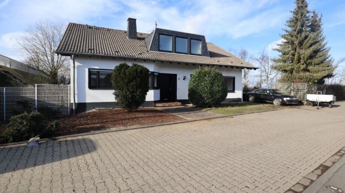 Heimerzheim - Perfekt für Gewerbetreibende! Wohnkomfort und Raum für den Betrieb mit Flächenbedarf!