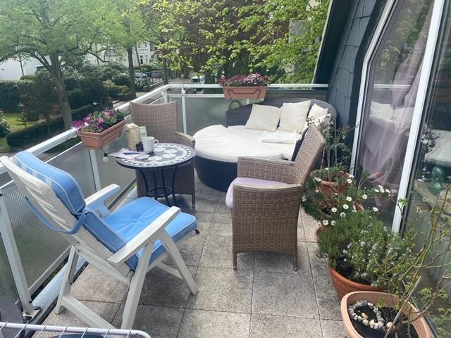 sonnige vermietete 1-Zimmer Eigentumswohnung mit großem Balkon im Herzen von Alt-Rahlstedt - Rendite 3%